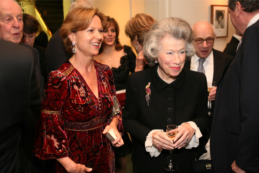 Kati Marton and Anna-Maria Kellen, Carnegie Hall gala, 2006 (Photo: Michael Dames)