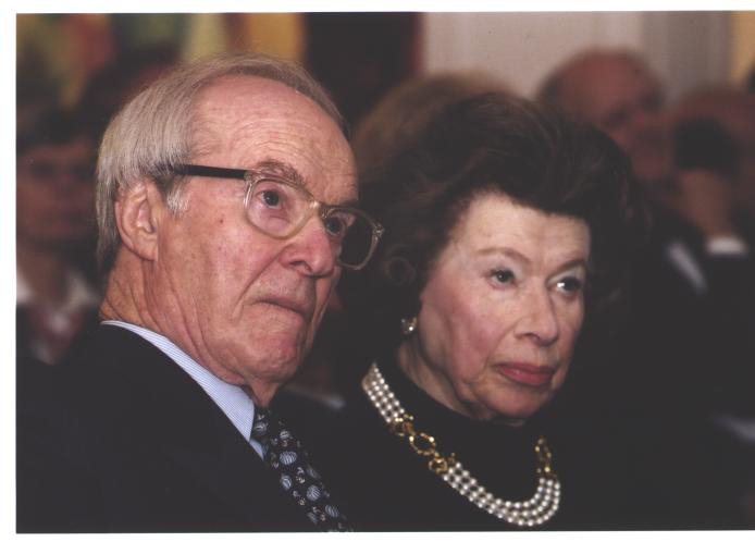Stephen And Anna-Maria Kellen At The American Academy, May 5, 2002 (Photo: Mike Minehan)