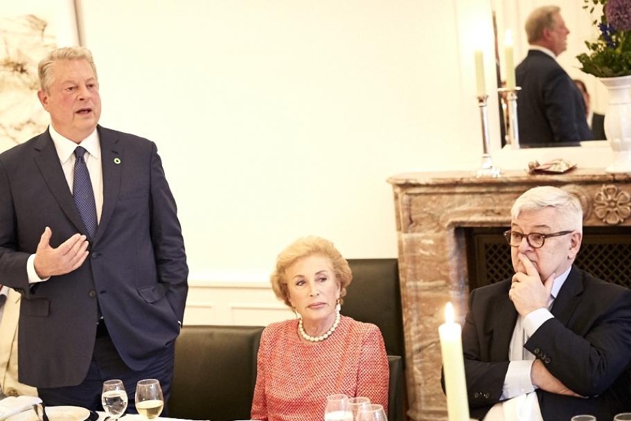 Al Gore, Nina von Maltzahn, and Joschka Fischer. Photo: Ralph K. Penno