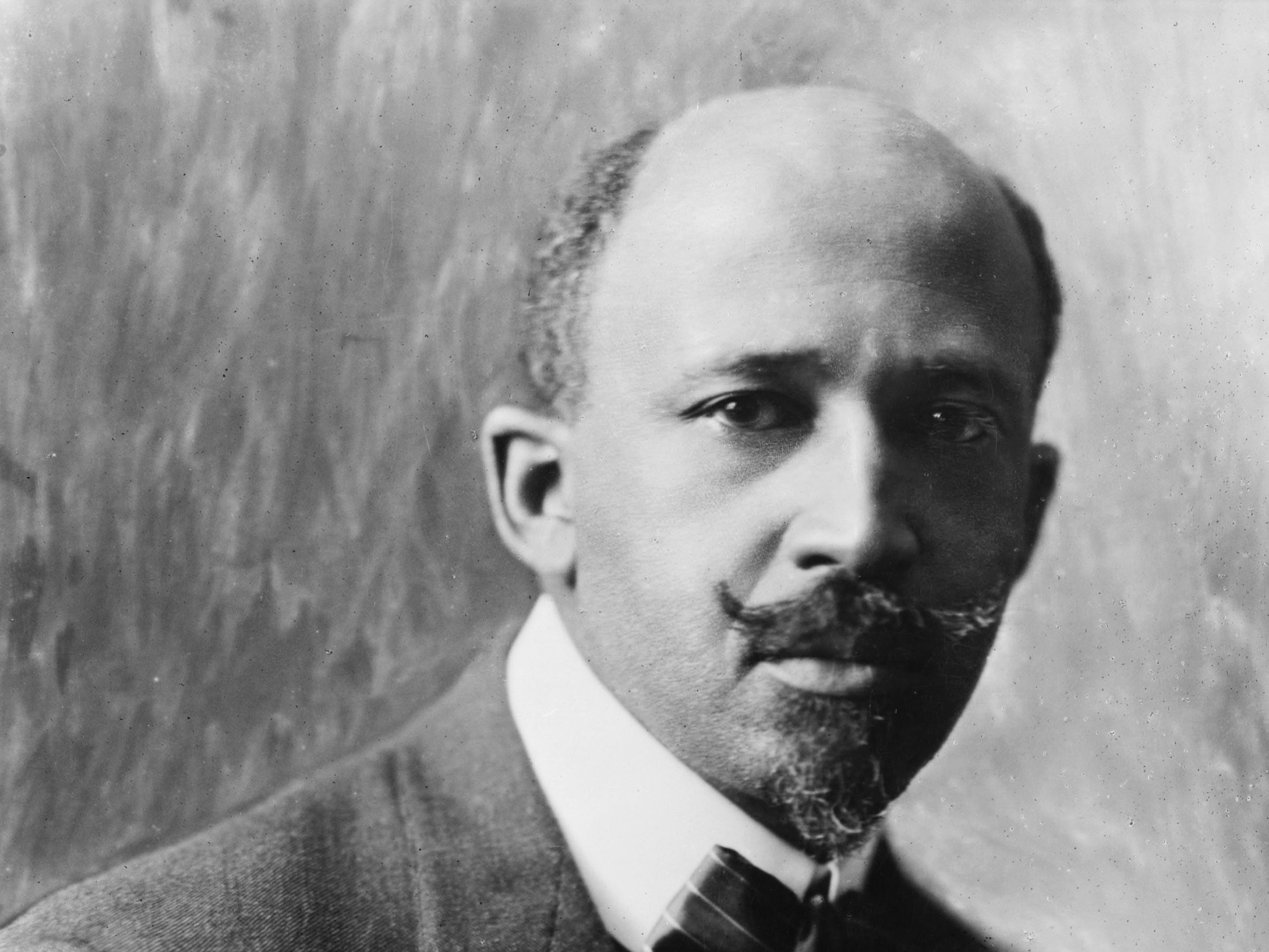 Running after Du Bois