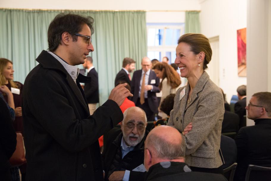 Pianist Saleem Ashkar speaks with Bendetta Roux, of Bard College Berlin, at the fall 2017 Fellows Presentation. Photo: Annette Hornischer
