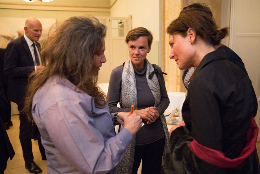 Artist A.L. Steiner Speaks With Guests. Photo: Annette Hornischer