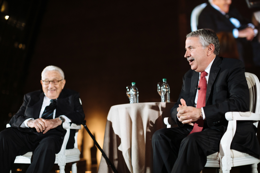 Academy founding co-chairman Henry Kissinger speaks with Tom Friedman of the New York Times about the geopolitics of the new world order. Photo: Lauren Kallen