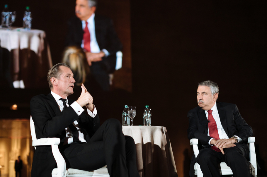 Academy trustee Matthias Döpfner, CEO of Axel Springer SE, speaks with Thomas Friedman about digitalization and the media. Photo: Lauren Kallen