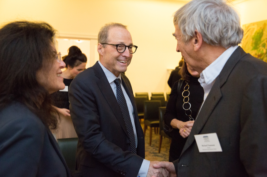 Academy President Michael Steinberg Greets Marie Warburg And Former German Minister Of Culture Michael Naumann. Photo: Annette Hornischer.