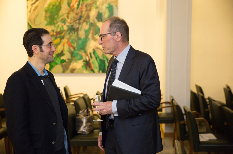 Pianist Joseph Bousso speaks with Academy president Michael Steinberg. Photo: Annette Hornischer.