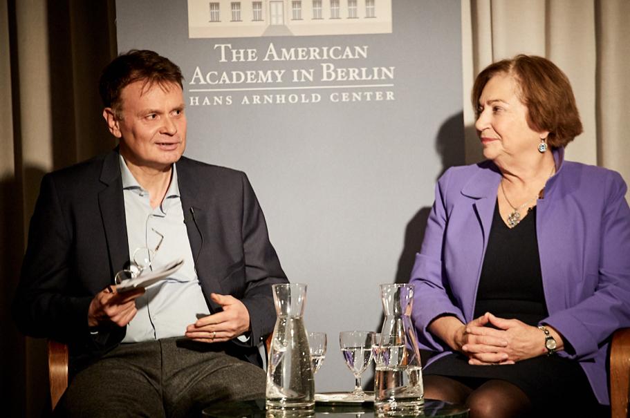 Jörg Lau, Foreign Editor, DIE ZEIT; Angela Stent, Director of the Center for Eurasian, Russian & East European Studies, Georgetown University. Photo: Ralph K. Penno