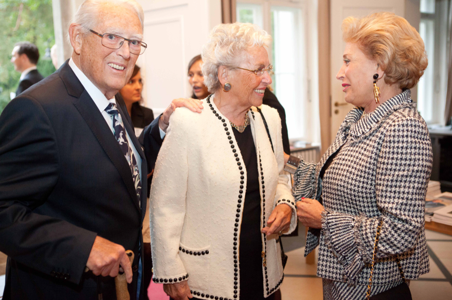 Erivan And Helga Haub Are Greeted By Academy Trustee Nina Von Malzahn At The 2014 Henry A. Kissinger Prize. Photo: Annette Hornischer