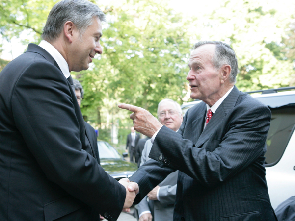 Then Governing Mayor of Berlin Klaus Wowereit greets former US president George H.W. Bush at the American Academy in Berlin in July 2008, for the Henry A. Kissinger Prize honoring President Bush. Photo: Annette Hornisher