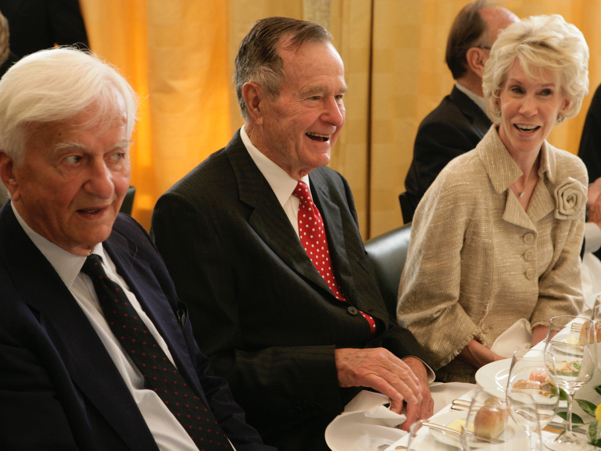 Richard von Weizsäcker, George H.W. Bush, and Sue Timkin. Photo: Annette Hornischer