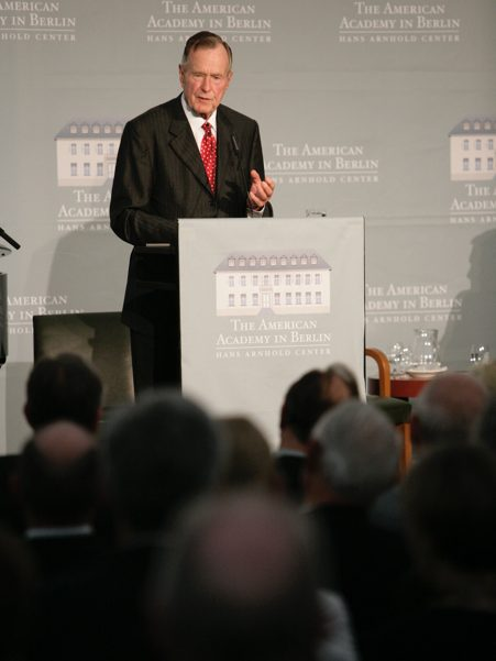 George H.W. Bush speaks at the 2008 Henry A. Kissinger Prize. Photo:  Annette Hornsicher