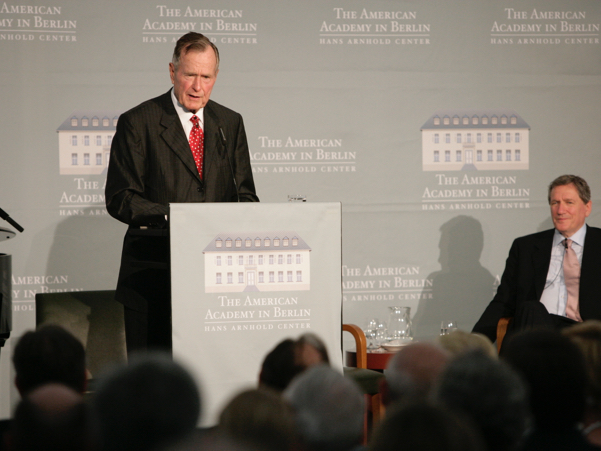 Former US President George H.W. Bush Speaks At The 2008 Henry A. Kissinger Prize. Photo: Annette Hornischer