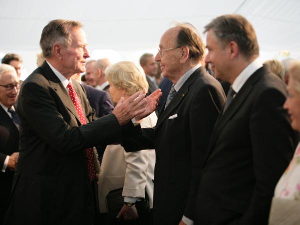 George H.W. Bush, Hans-Dietrich Genscher, and Klaus Wowereit. Photo: Annette Hornischer