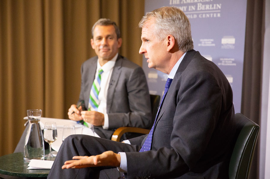 Academy president Terry McCarthy speaks with Timothy Snyder. Photo: Annette Hornischer