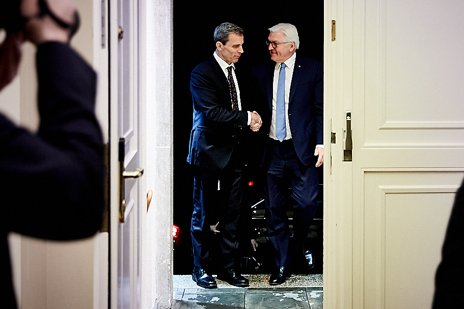 Academy president Terry McCarthy welcomes President Steinmeier, March 5, 2019. Photo: Ralph K. Penno / American Academy in Berlin