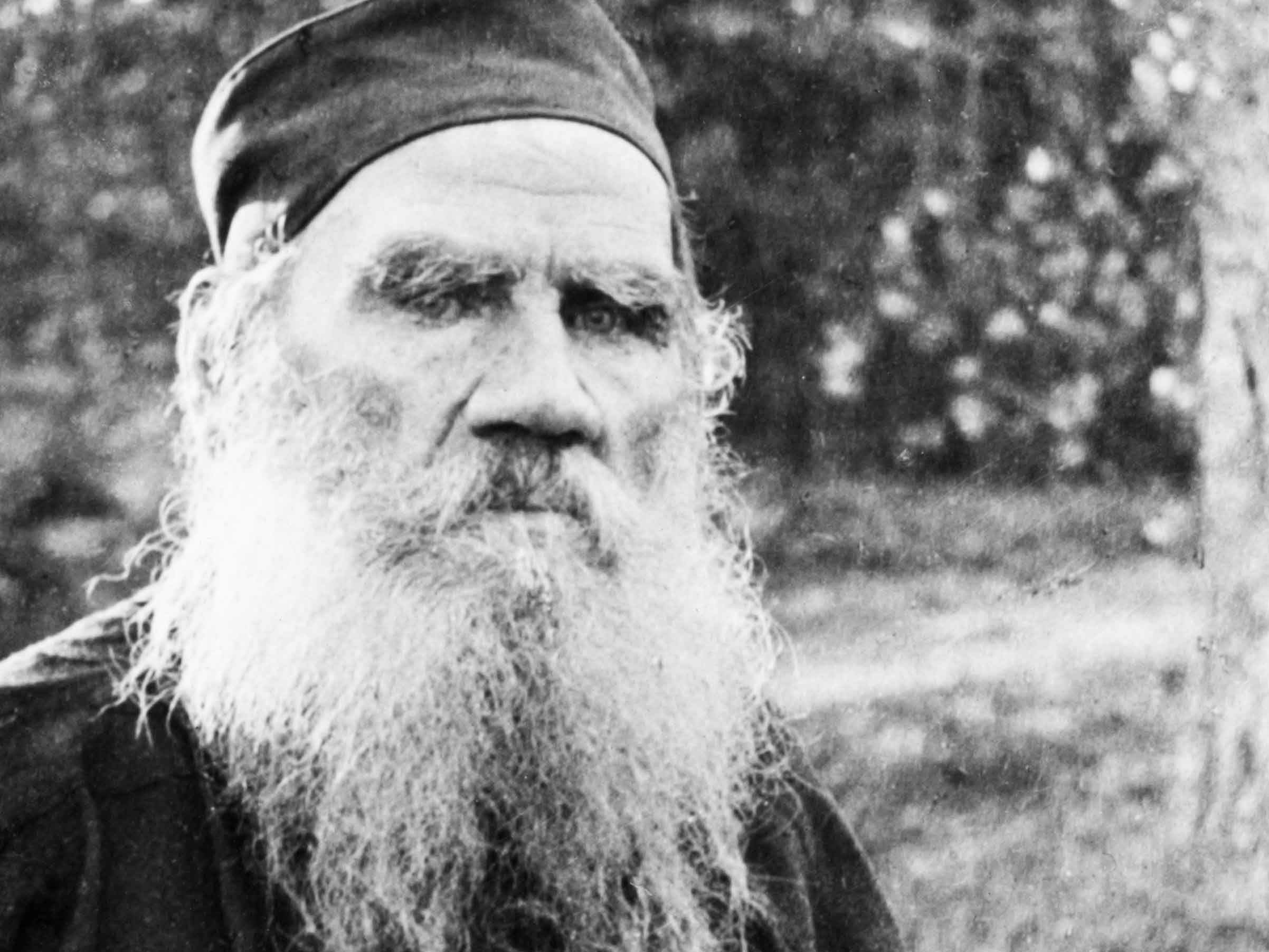 Tolstoy on Trial: Contesting the Imperial Past on Stage in Moscow and Berlin
