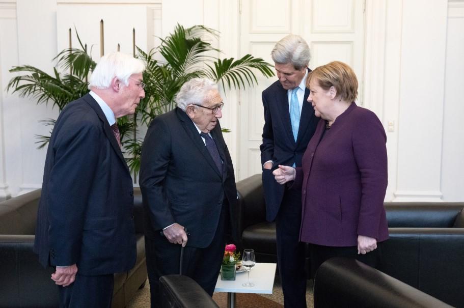 Gerhard Casper, Henry A. Kissinger, John Kerry, Angela Merkel. Photo: Annette Hornischer