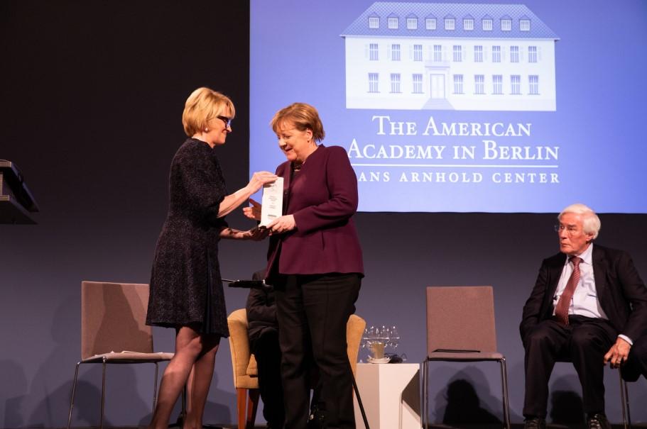 German chancellor Angela Merkel receives the Henry A. Kissinger Prize. Photo: Annette Hornischer