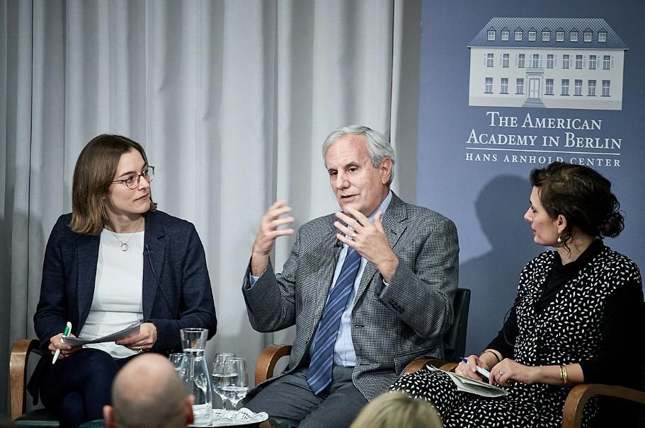 Anna Sauerbrey, T. Alexander Aleinkoff, and Naika Foroutan. Photo: Ralph K. Penno