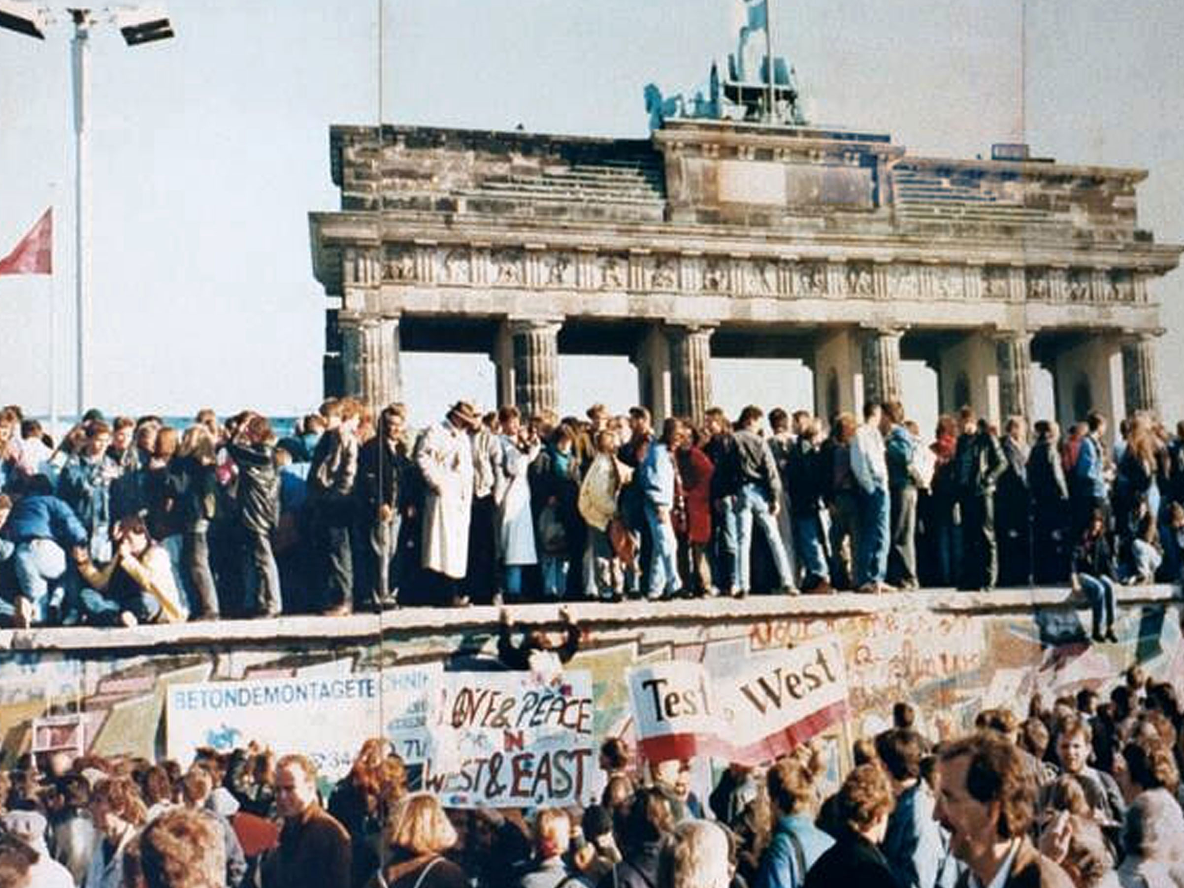 German Unification in a World Perspective