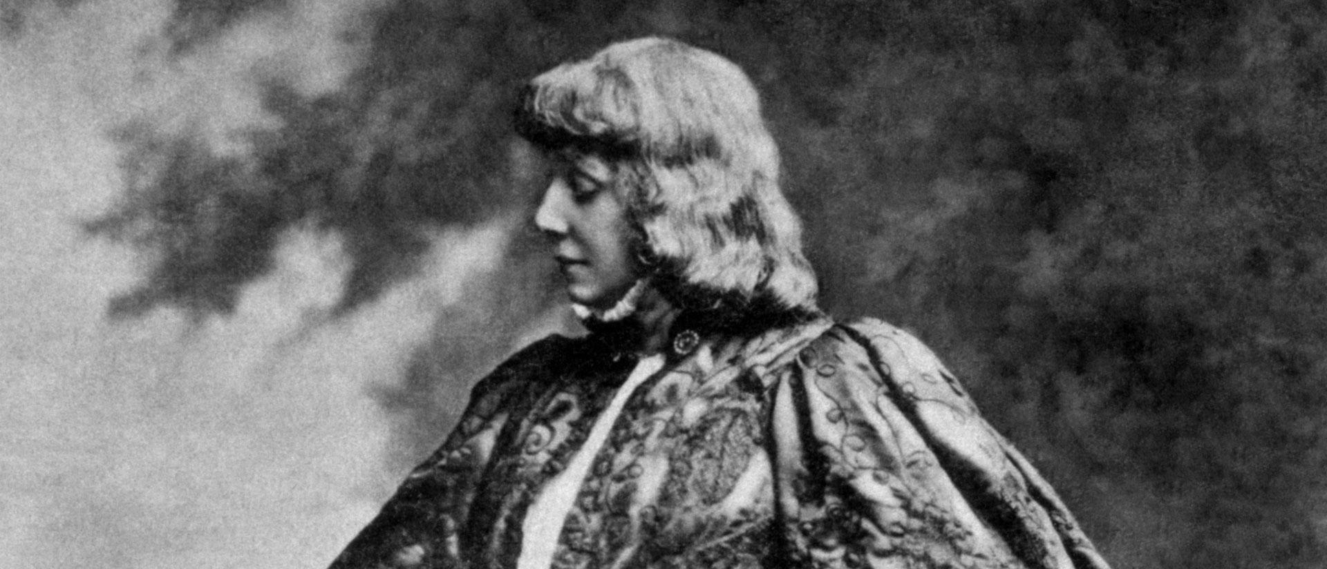Sarah Bernhardt's Knee