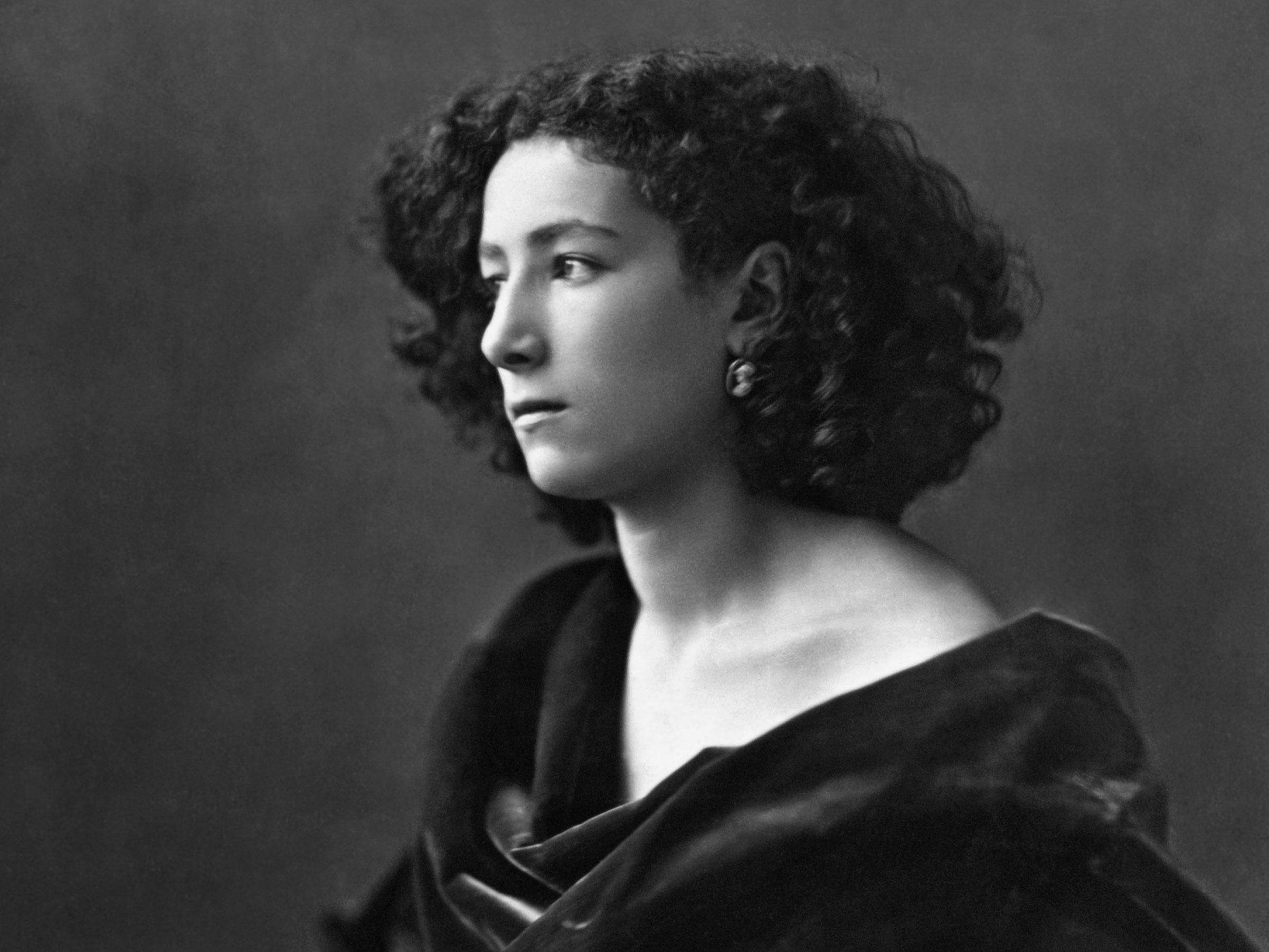Sarah Bernhardt's Knee: The Feminine Ideal in Belle Époque Rio de Janeiro